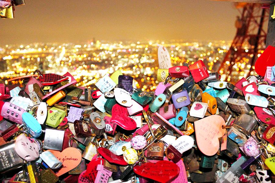 Ổ khóa tình yêu ở tháp Namsan